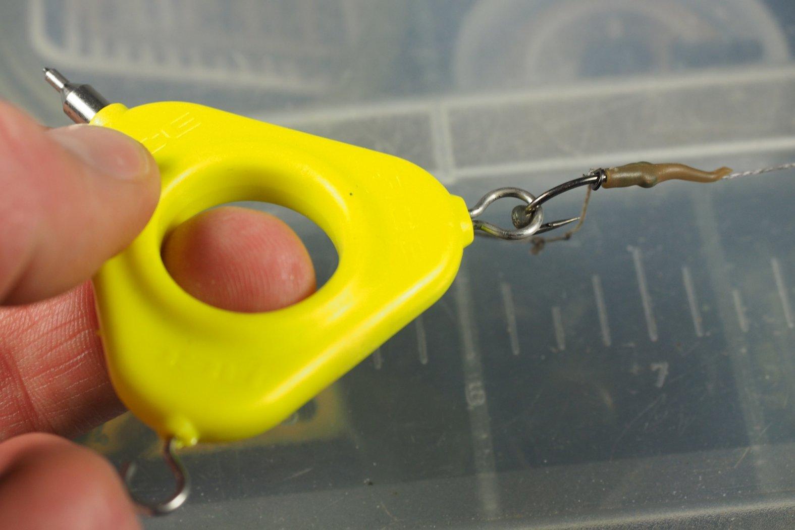 Knoten Tool zum Karpfenangeln