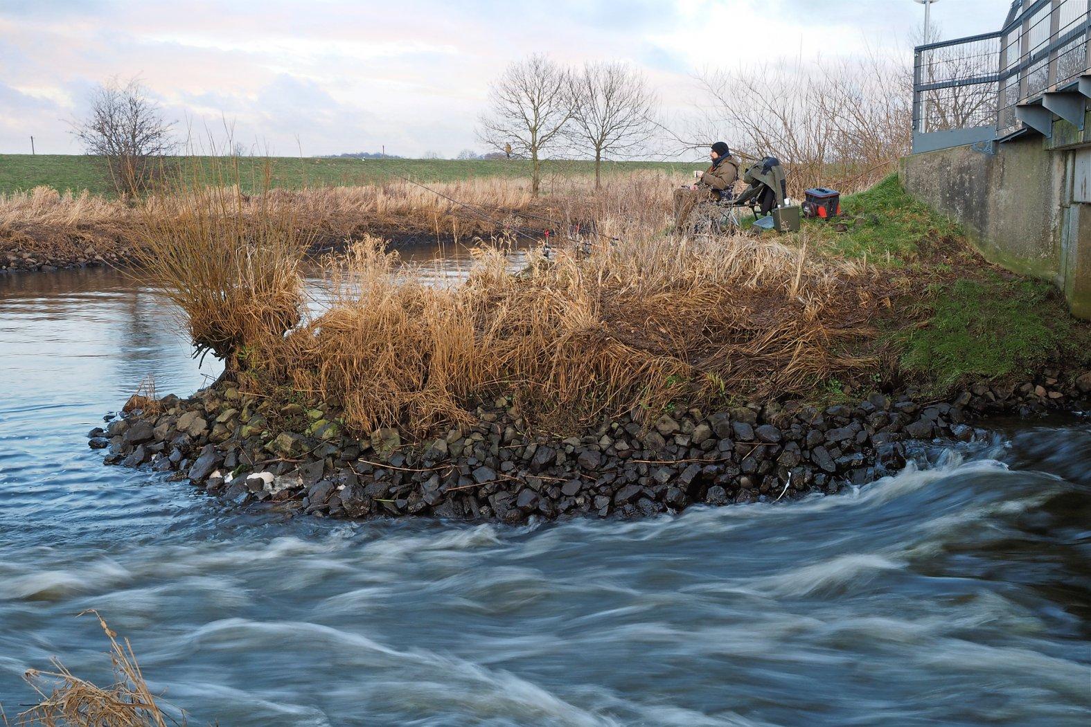 Quappenangeln am Kanal