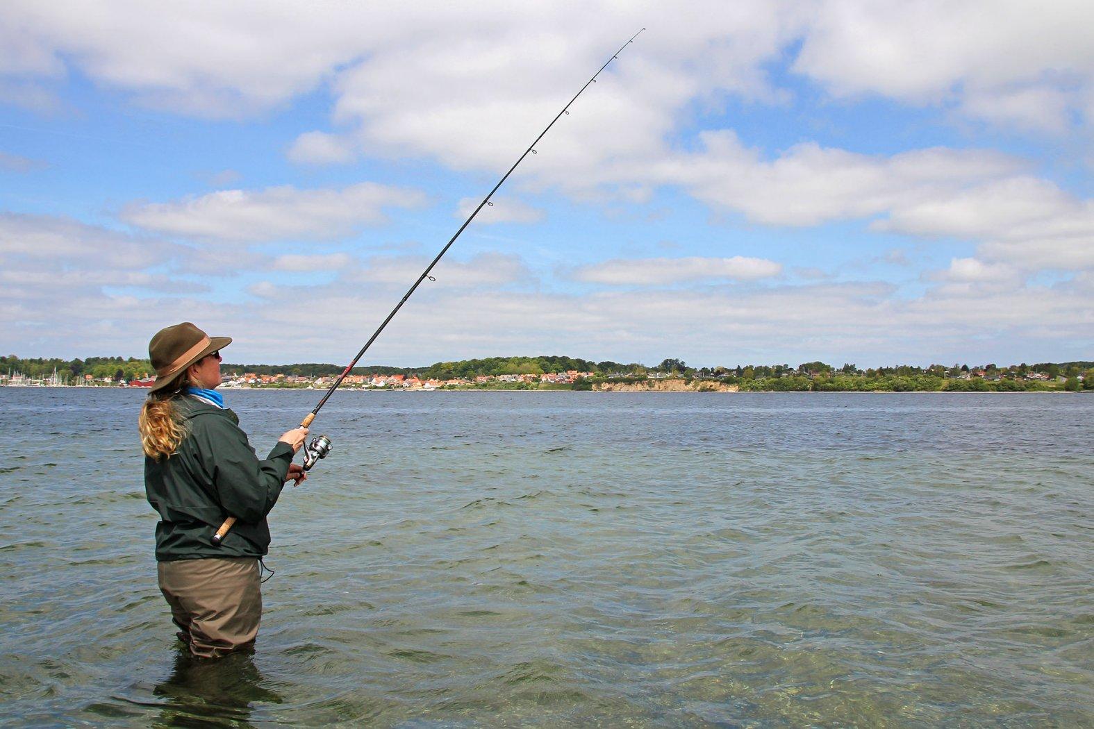 hornhecht angeln mit wasserkugel