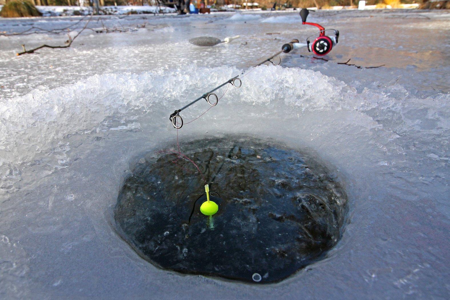 Eisfischen auf Forellen