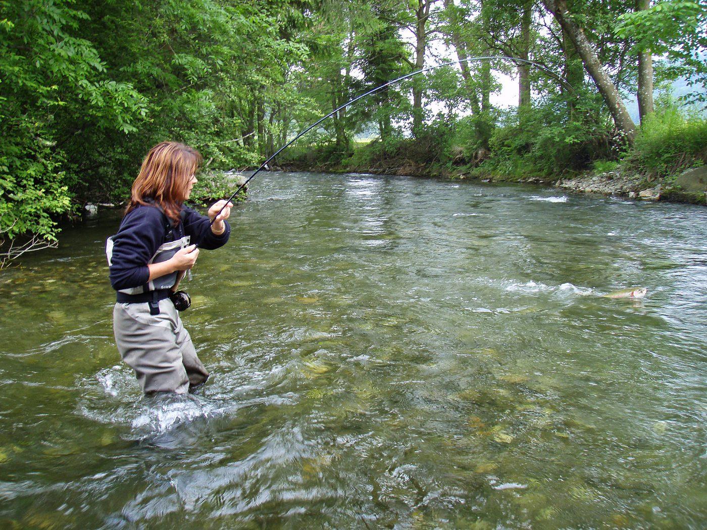 Fliegenfischen mit Streamer im Fluss