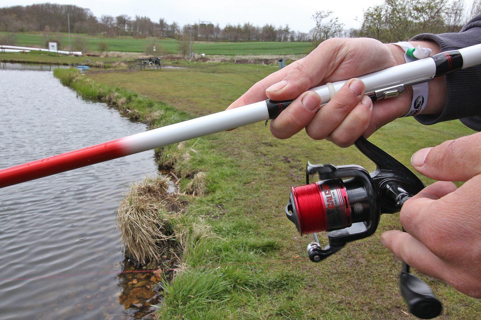 Rolle und Schnur zum Tremarella angeln