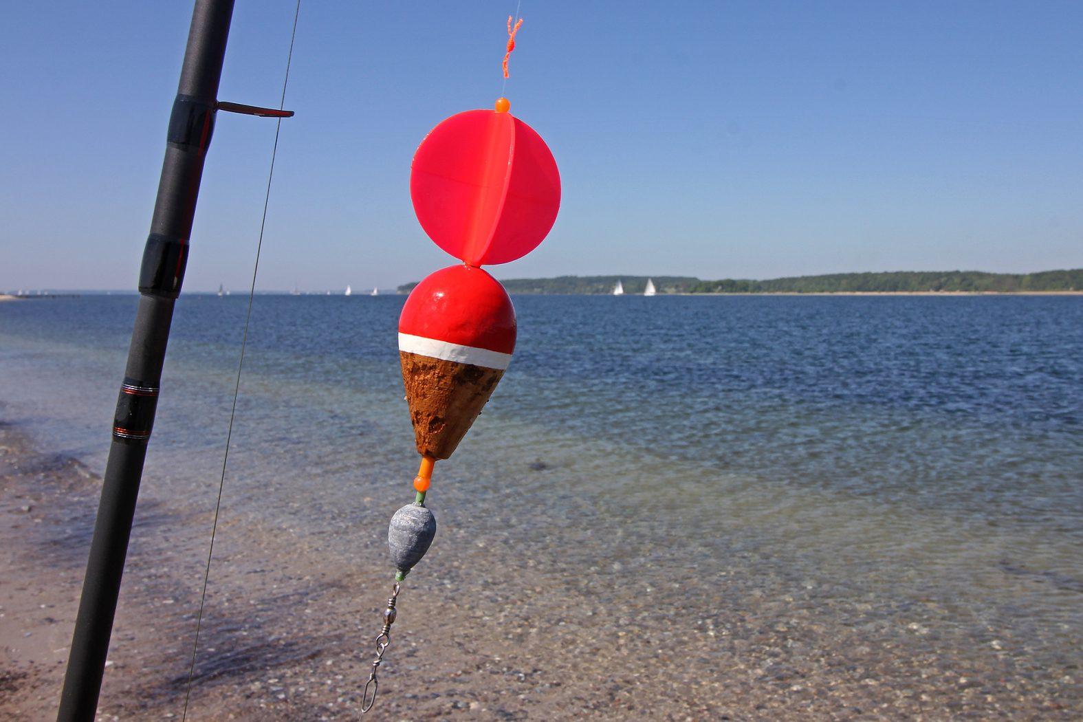 Montage für Segelpose an der Küste