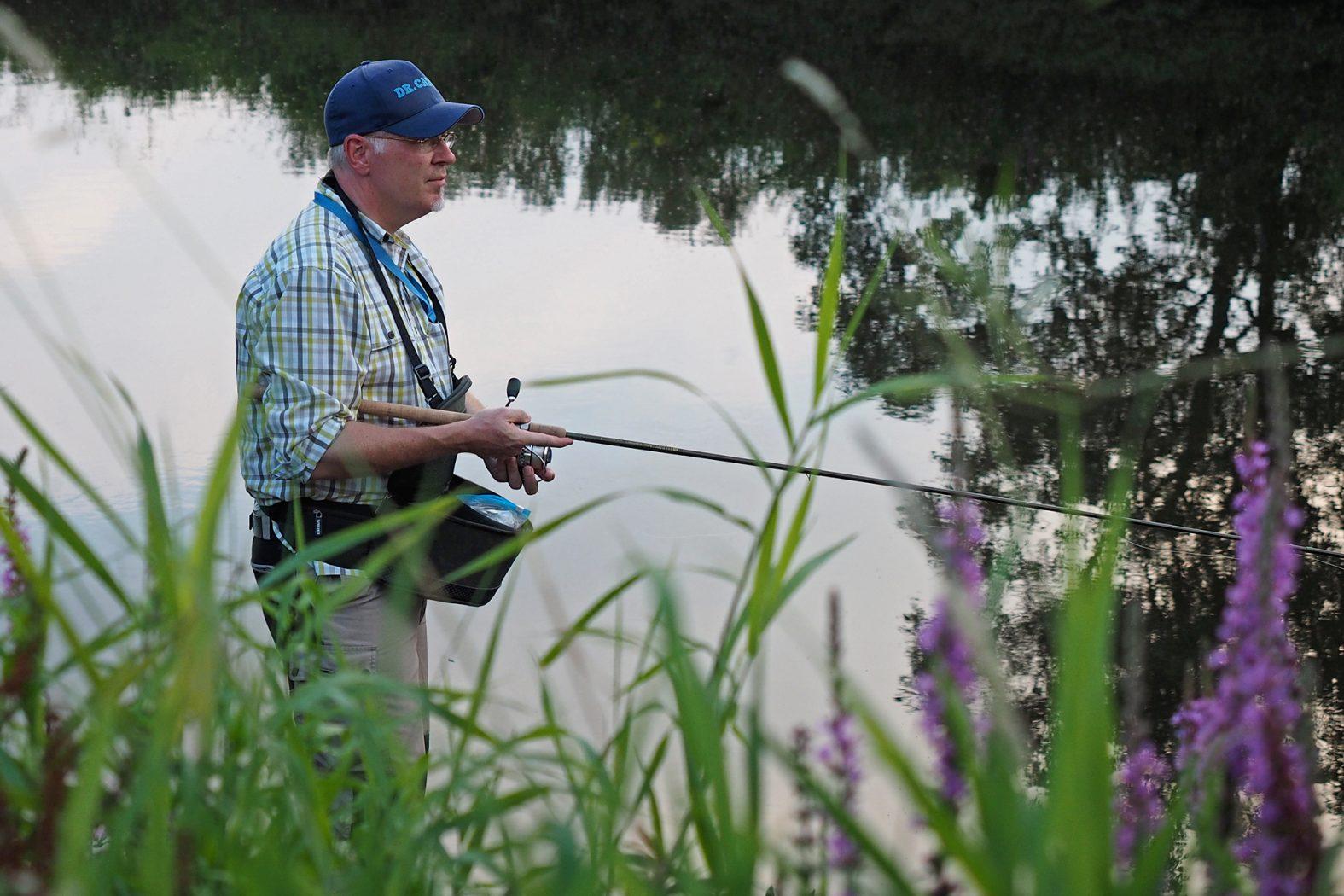 Schwimmbrot angeln im Fluss