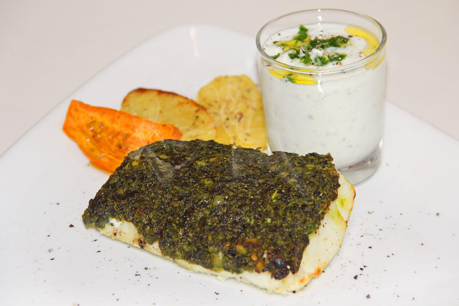 Gericht mit Bärlauch und Fisch