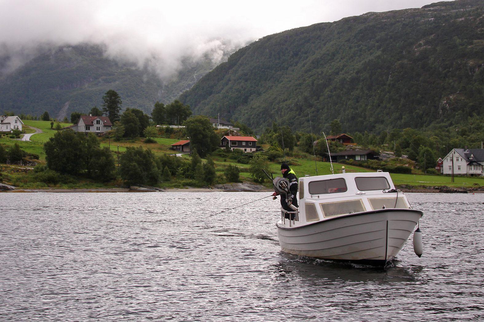 Erlaubnis zum Angeln im Fjord in Norwegen