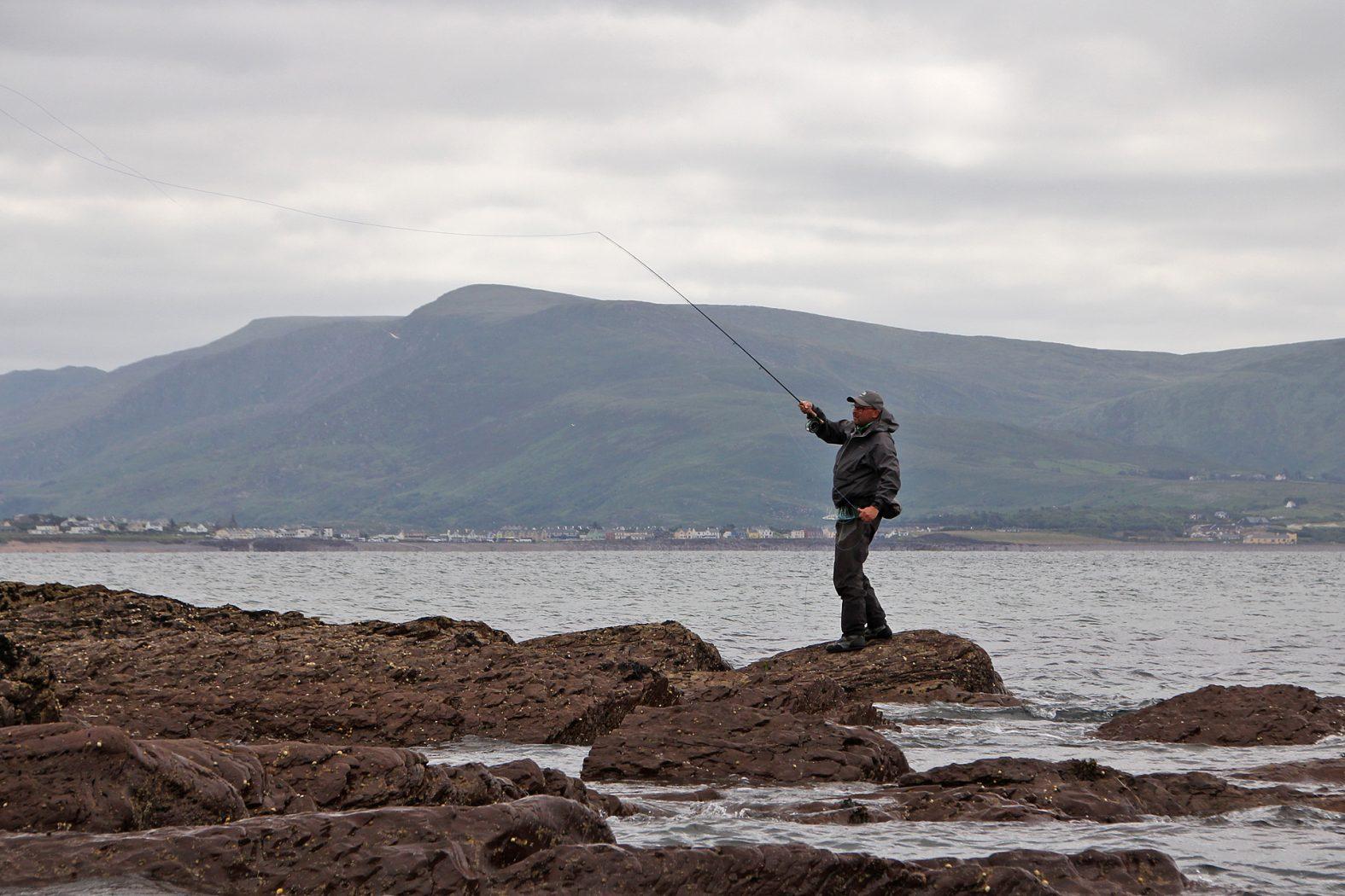 Fliegenfischen in Irland auf Wolfsbarsch