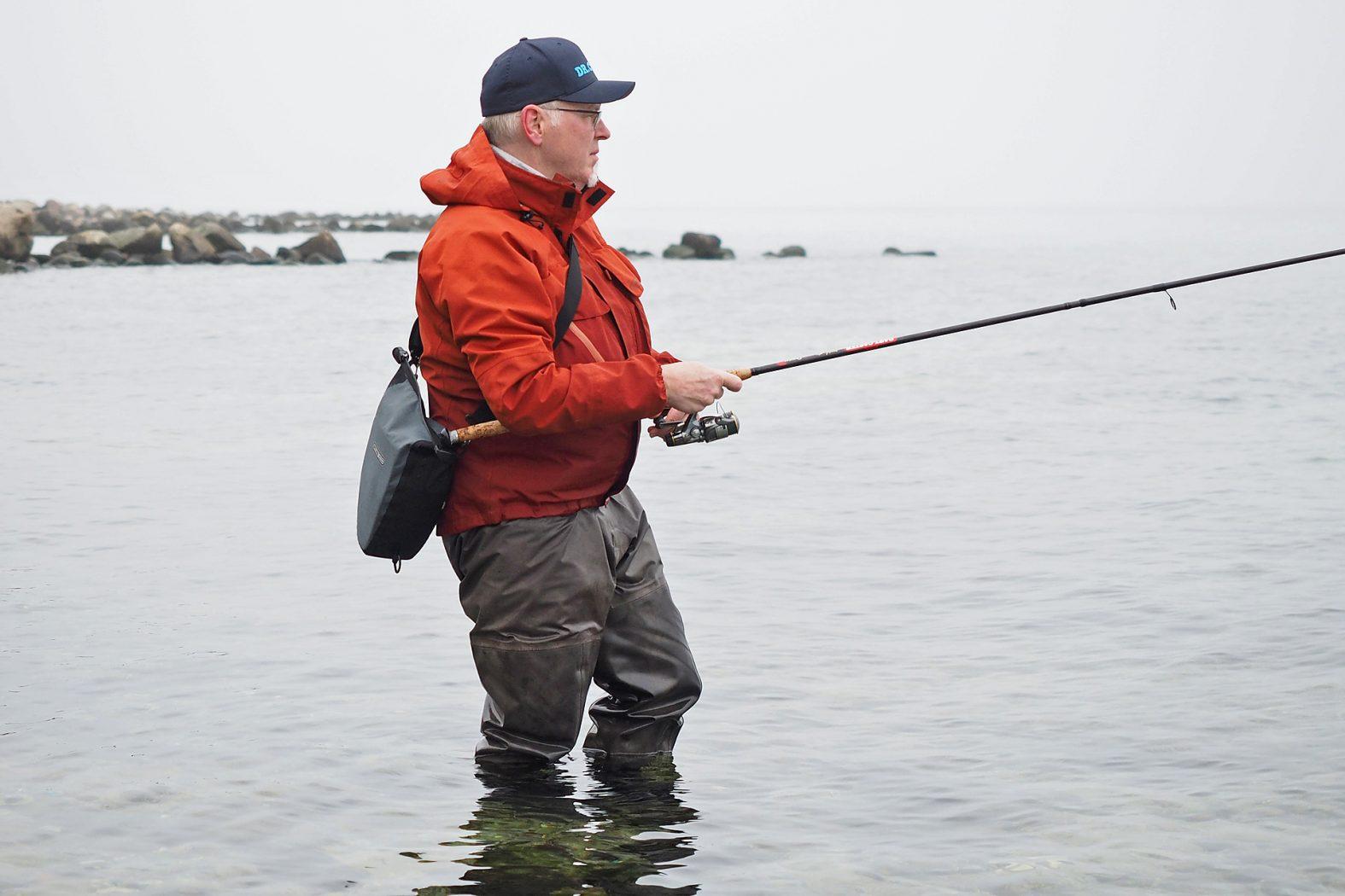 An der Ostsee angeln vom Ufer auf Dorsch
