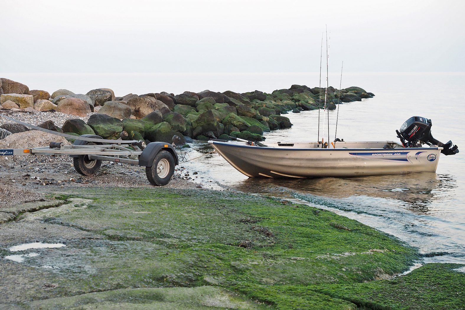 Dorschangeln vom Boot auf der Ostsee