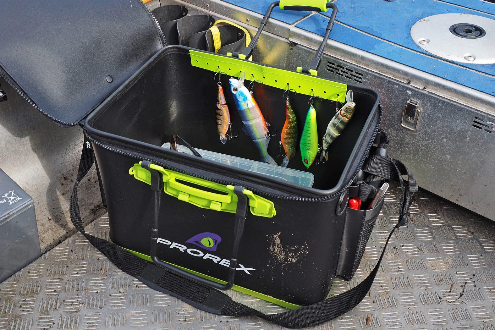 Ködertasche zum Spinnfischen: der Prorex Tackle Container von Daiwa